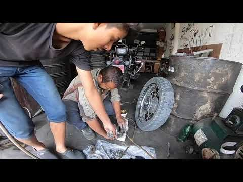 Royal Enfield Classic 350cc Full Raw Video Servicing in Nepal