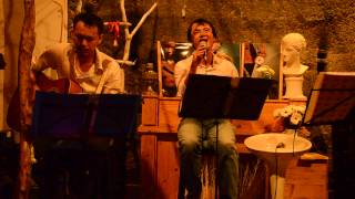 "Ngoi Nha So 7 Cafe - Dem mau xanh - Viet Uy (Chuyen de: ""... ao len cai voi"")"