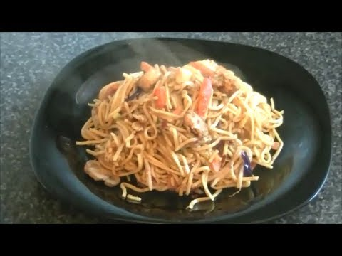 CHICKEN NOODLE STIR FRY - اردو - हिंदी *COOK WITH FAIZA*