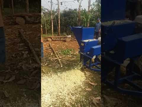 รถตัดหญ้านั่งขับ (grass mower ) สนใจติดต่อ 0918625697 พอ