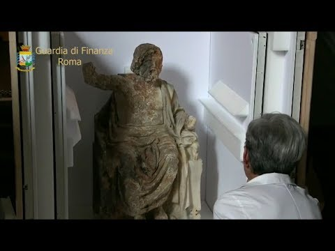 Zeus in trono torna in Italia, riconsegnata la statua dal Getty Museum