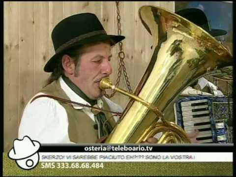 il gruppo folk Noter de Bèrghem canta