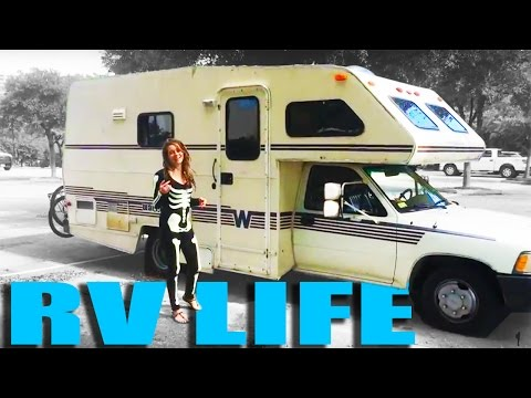 RV Living: Why I Love Living in My Camper (Simple Living and Travel)