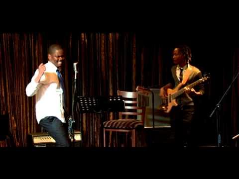 MORAYKS Live (@ Winnie's) singing LESOTHO  #GAAAAAAAPE