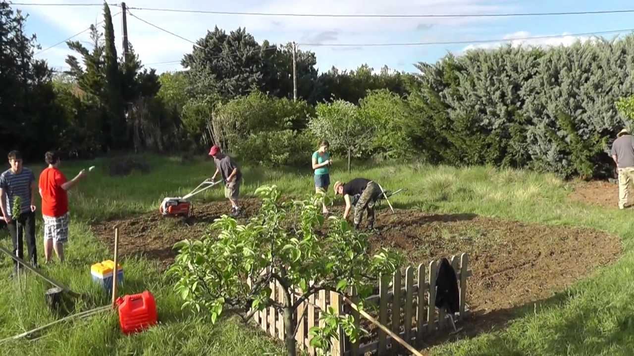 Le jardin bio youtube for Jardin bio