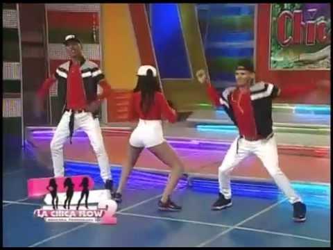 Katherine Tejada alborota al publico bailando dembow en Aqui se Habla Español