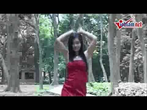Gai Viet Nam nhay nhac Quang Le