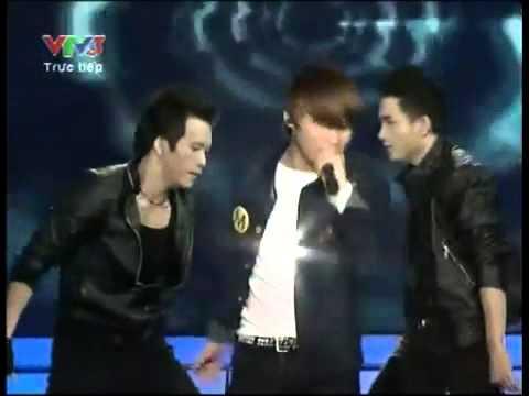 [LIVE] Cơn mưa ngang qua - M-TP - Vietnam Idol