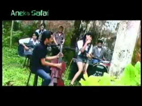 Banyuwangi folk songs ( Layang Suworo )