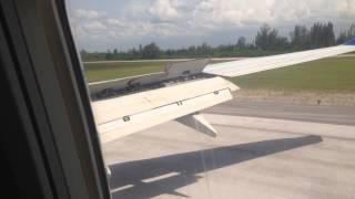 Sun Country 737-800 landing at Abel santa maria airport. Santa Clara, Cuba