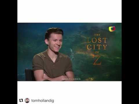 Tom Holland hablando español