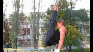 Упражнения на брусьях! barras elements)