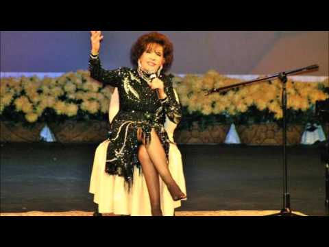 Dottie Rambo - The Holy HIlls Of Heaven Call Me (Dottie tells the story behind the song)
