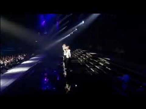 Westlife - Queen Of My Heart (Face To Face Tour 2006)