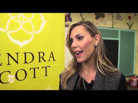 Kendra Scott makes jewelry with LAA+ students