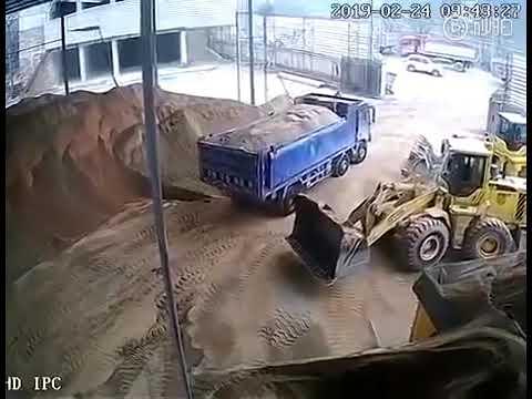 ЖЕСТЬ!! Вот к чему приводит несоблюдение техники безопасности.