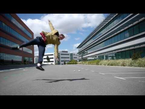 Martin Cerf / Juggler Acrobat / Edit Metlili