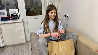 ВЛОГ Кира приехала с шоппинга Мама хочет забрать Покупки