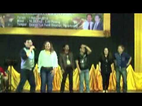 Sung by iconic singer Peter Dicky Lee and featuring popular singers and rapper from Sabah l