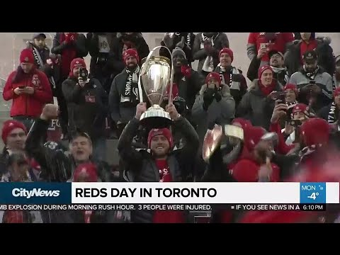 Toronto FC paints Toronto red with victory parade