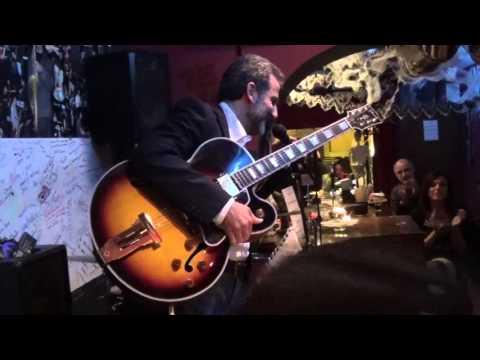 MINGO -POZZOVIO SWINGING DUO Live at Charity Cafe' in Roma 25/10/2015