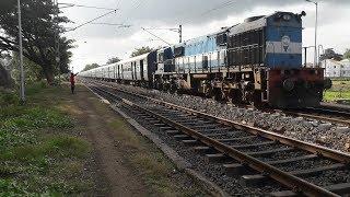 22131/Pune-Manduadih Express with Itarsi WDM-3D #11426