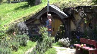 Hobbiton, используемая музыка: Lord Of The Rings Soundtrack-Concerning Hobbits