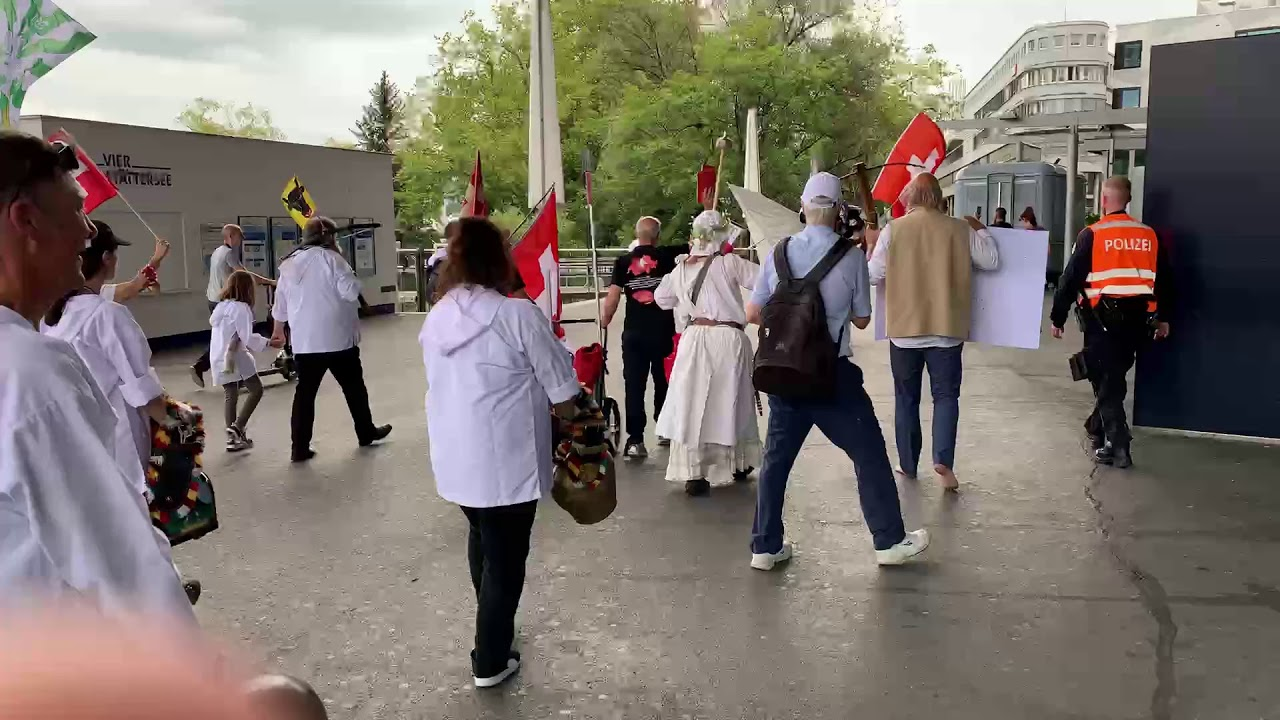 LIVE: Luzern Kundgebung Urkantone und Demonstration gegen Gesundheitspass und Impfpflicht in Paris