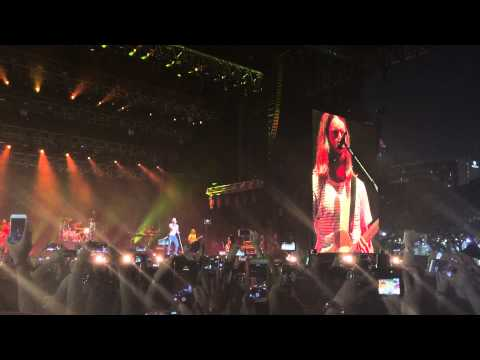 Maroon5 - Sugar @ F1 Singapore 2015 (19 Sept 2015)