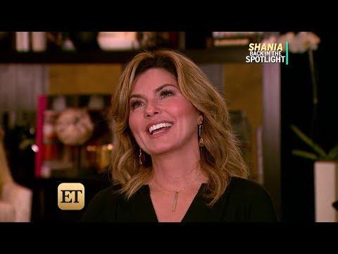Shania Twain reveals kiss scenes with John Travolta - ET Interview August 22, 2017