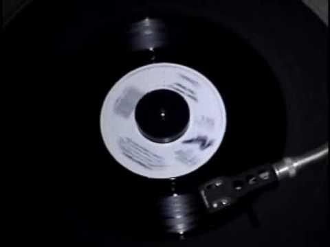 Huey Lewis & The News - 01 Perfect World (Polystyrene 45 R.P.M.)