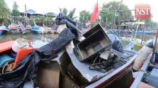 Boat's engine explodes, 3 injured