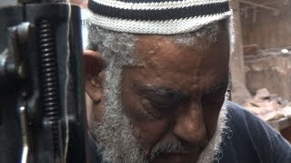 """محمود شاكر صانع أحذية رؤساء الحكومة: """"أنا مش جزماتي"""""""