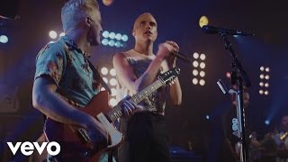 Neon Trees - Sleeping With A Friend (Guitar Center Sessions on DIRECTV)