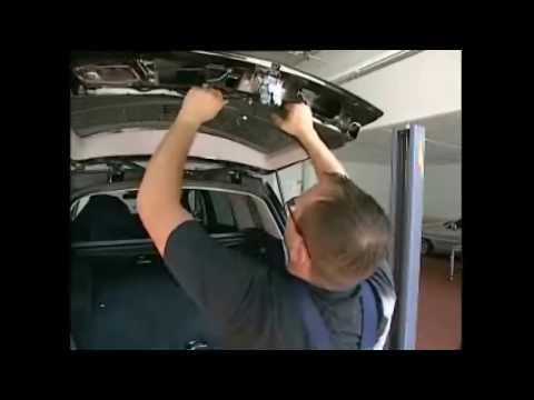 как разобрать дверь багажника на мерседес 350