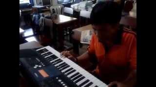 Lagi Belajar Main Piano Maklum Masih Pemula