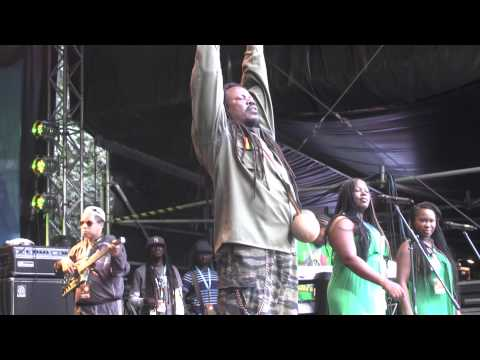 Luciano - 4/5 - Your World And Mine + Deliverance - Reggae Jam 2014