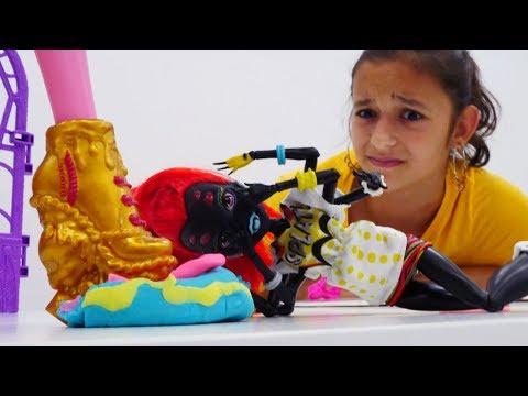 Монстер Хай: торт из Плей До. Игры для девочек.