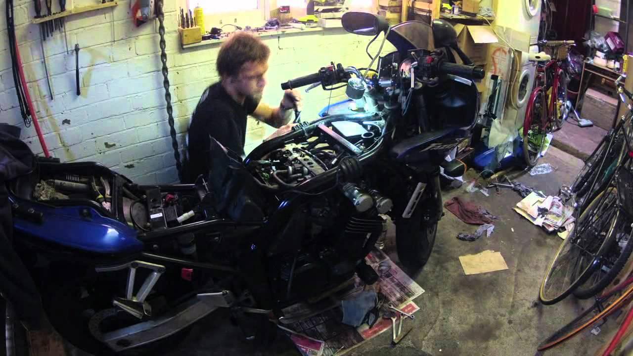 yamaha fzs600 engine assembly and test drive after valve. Black Bedroom Furniture Sets. Home Design Ideas