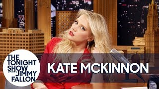 Kate McKinnon Shows Off Her Gal Gadot Impression thumbnail