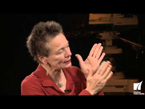 InnerVIEWS with Ernie Manouse: Laurie Anderson