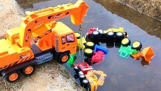 Carros y Camiones de Construcción para Niños en el Agua - Construction Vehicles Toys for Kids