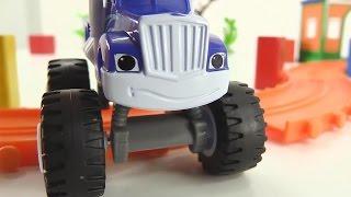 Spielzeugautos - Monster Machines - Crusher steckt auf den Gleisen fest