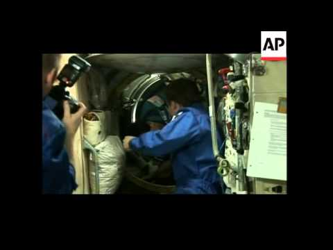 Soyuz capsule carrying US tourist Charles Simonyi docks with ISS
