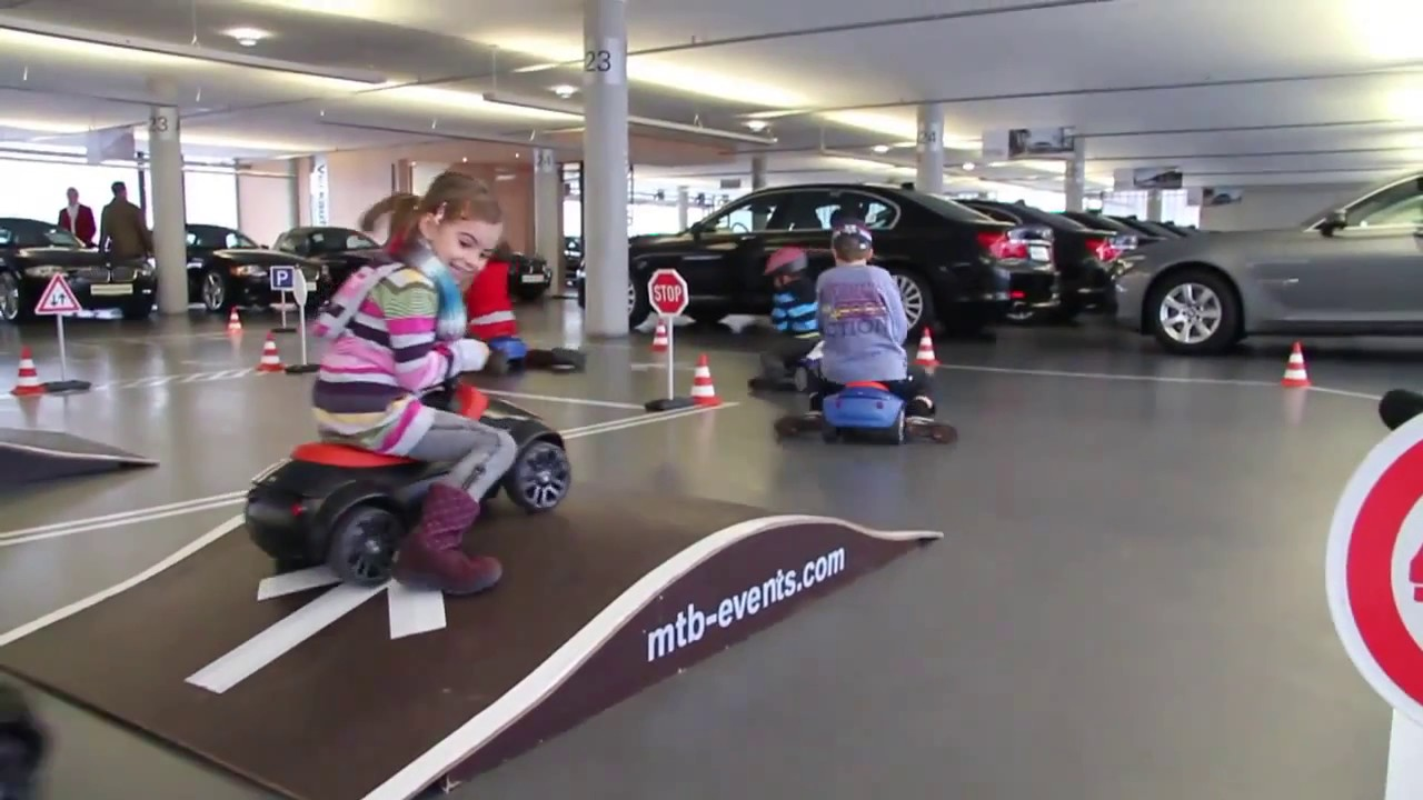 bmw baby racer loopauto 39 s 1 3 jaar youtube. Black Bedroom Furniture Sets. Home Design Ideas