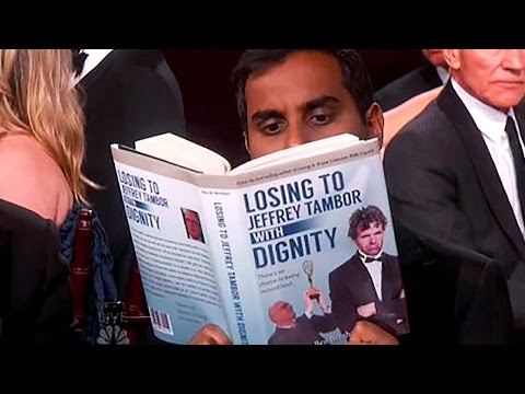 Aziz Ansari's AMAZING Golden Globes 2016 Prop, 'Losing to Jeffrey Tambor With Dignity'