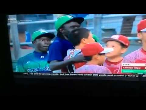 Chinese Taipei vs Uganda post-game handshake - 2015 Little League World Series