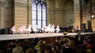 танец кукол, 2 класс балетной школы
