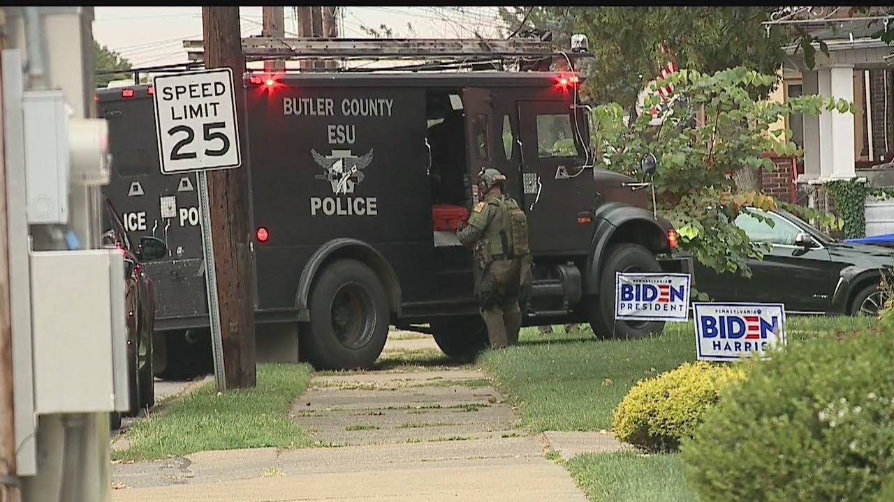 Download SWAT team at Farrell house, neighbors report hearing loud bangs