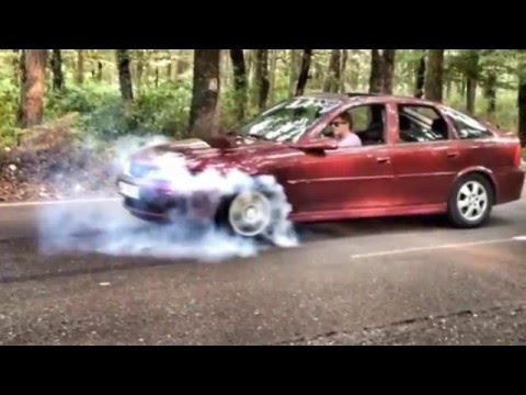 Opel Vectra Burnout